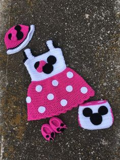 Items similar to Minnie Mouse Outfit, Newborn Minnie Mouse Outfit, Crochet Minnie Mouse Outfit, Baby Minnie Mouse Outfit, Minnie Mouse on Etsy - Baby Clothes Baby Girl Crochet Blanket, Crochet Baby Dress Pattern, Crochet Baby Boots, Crochet Toddler, Crochet Baby Clothes, Crochet For Boys, Baby Girl Blankets, Disney Crochet Patterns, Crochet Disney