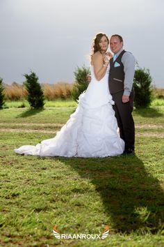 Photography Ideas, Wedding Photography, Mermaid Wedding, Facebook, Wedding Dresses, Fashion, Wedding Shot, Bride Dresses, Moda
