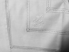 Completo letto matrimoniale in lino con ricamo by IlBauleDiLetizia
