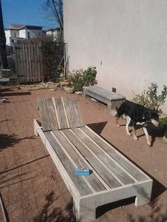 Upcycled Pallet Into Sunbed