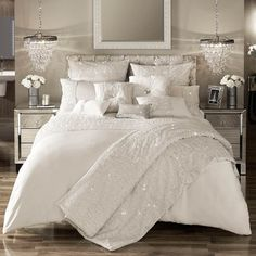 kylie minogue ropa de cama darcey oystermarfil cubierta del edredon edredon tiro o cojin Super King Duvet Covers, Double Duvet Covers, Single Duvet Cover, Kylie Minogue At Home, Luxury Bedding Sets, Bed Sets, Bedding Collections, Home Collections, Decoration