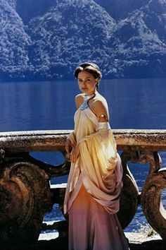 I always liked this dress of Padme's
