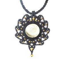 #macrame #Obsidianadorada #glamour Obsidiana dorada con cuentas de bronce. Tecnica de macramé