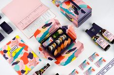 Colorful Brand Identity for Japanese Sushi Restaurant A creative packaging for delicious sushi food ? Here is the challenge lay down for designers Fanny Löfvall Nanna Basekay and Oliver Sjöqvist for Samurai a Japanese restaurant located in Stockholm. Logo Inspiration, Packaging Design Inspiration, Samurai, Food Packaging Design, Brand Packaging, Takeaway Packaging, Kids Packaging, Foil Packaging, Packaging Boxes