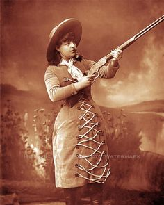 OLD WEST COWGIRL SHARPSHOOTER LILLIAN SMITH VINTAGE PHOTO RIFLE 1888.
