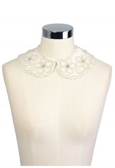 #ChicWish: Pearl Flower Peter Pan Collar