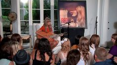Taylor Swift - Acoustic Performances from RED Album. (Best acoustic performances by her)