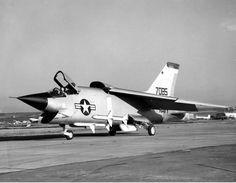 Vought F8U-3 Crusader III taxiing in 1958