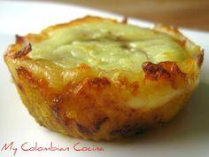 Plátano maduro con bocadillo y queso - Colombian food