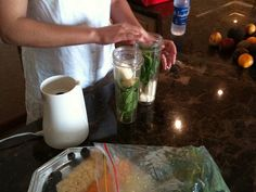 Advice from a Raw Vegan Travel Expert - Green Smoothies on the Road