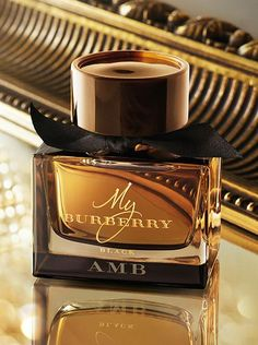 Engrave your bottle of My Burberry Black with a complimentary monogram. Discover our new perfume for women.