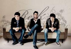 REIK- Su voz es para mi la más diferente y armoniosa de toda la música amorosa latinoamericana...