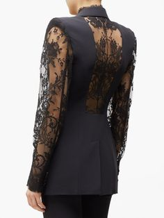 Alexander Mcqueen, Looks Chic, Lace Jacket, Tailored Jacket, Monochrom, Lace Sleeves, Couture Fashion, Dress To Impress, Catwalk