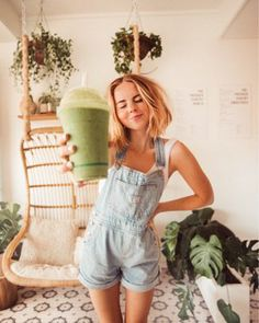 🥬🍐🥒🥑 This is definitely one of my favorite ways to incorporate vegetables into my diet because you can barely taste… Winter Date Night Outfits, Summer Outfits Women, Mom Outfits, Casual Outfits, Fashion Outfits, Women's Fashion, Clad And Cloth, Overalls Outfit, Spring Looks