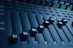 What is online mixing? Online mixing, engineering is working with a professional mixing engineer and producer remotely to get your songs mixed properly