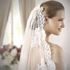 Transparency. #pronovias #dietrich #veil #headstyle #lace #love #wedding #bride #velo #peinado #accesorio #encaje #novia #boda #penteado #véu #renda #amor #noiva #casamento