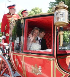 dailymail: Wedding of Prince Ernst August Jr of Hanover and Ekaterina Malysheva, Hanover, July 8, 2017-The bride and groom during the carriage ride