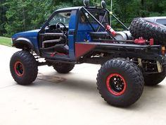 Resultado de imagen para engine in first generation hilux Toyota Pickup 4x4, Toyota Trucks, Lifted Ford Trucks, Jeep 4x4, Pickup Trucks, Truck Flatbeds, Truck Bed, Ranger, Toyota Hilux