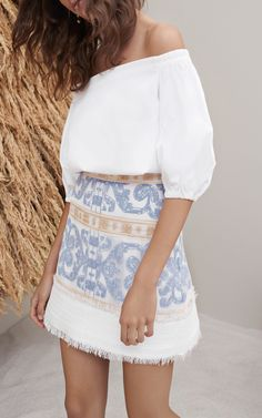 This **Alexis** Anzel Embroidered Mini Skirt features a mid rise waist, mini length, and allover embroidery detail. Looks Chic, Looks Style, Summer Outfits, Casual Outfits, Casual Dresses, Mode Outfits, Girl Outfits, Mode Inspiration, Mode Style