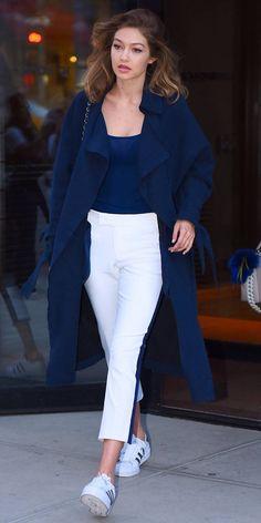 Gigi Hadid and Bella Hadid on June 2016 in SoHo in New York City. Gigi Hadid and Bella Hadid on June 2016 in SoHo in New York City. , Gigi Hadid and Bella Hadid seen out in SoHo on June 2016 in New York City. Estilo Gigi Hadid, Gigi Hadid Style, Gigi Hadid Casual, Blue Fashion, Look Fashion, Trendy Fashion, Womens Fashion, Dress Fashion, Fashion Suits