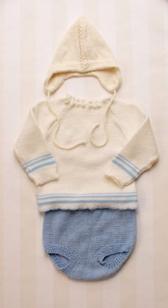 Vintage Baby Sweater in White Knit 1-2 years, Scandinavian Knitted Retro Toddler Winter Blouse with long Sleeves and a Blue hem
