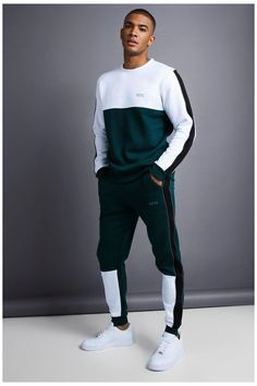 Track Suit Men, Hoodie Outfit, Mens Clothing Styles, Men's Clothing, Mens Sweatshirts, Men's Hoodies, Sport Outfits, Guy Outfits, Casual Outfits