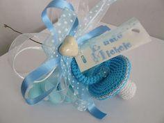 Bomboniere nascita - ciucci all'uncinetto azzurro