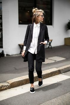 casual but smart, monochrome dressing. Minimalist outfit inspo
