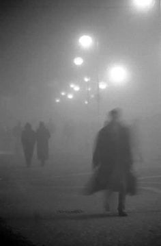 la nebbia moody fog photography blurry boardwalk, in the mist, shapes; it looks like Sherlock