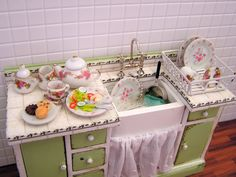 Dollhouse miniature filled Sink Unit in green and by MiniAbuela