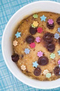 Mikrowellen-Keks mit nur 4 Zutaten - ist in 3 Minuten fertig und wird schön chewy! | http://www.backenmachtgluecklich.de