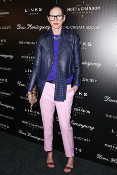 Jenna Lyons Teaches Us How to Wear Party Pants: It's official, Jenna Lyons wears the pants — and she looks good doing it. Mode Ab 50, Jenna Lyons, Mode Simple, Street Style Blog, J Crew Style, Solange Knowles, Jena, Love Her Style, Mode Outfits