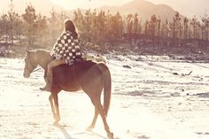 I would ride horses in the snow everyday if I could!   This girl obviously doesn't live in Minnesota. Lol!