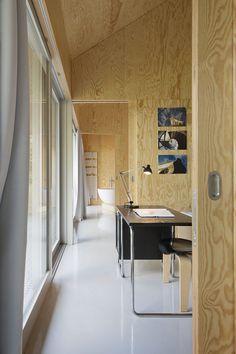 Bad Saarow House by Augustin Und Frank Architekten 5 Bad Saarow, Plywood Interior, Wood Architecture, Concrete Wood, Loft, Wood Interiors, Home And Garden, Interior Design, Table