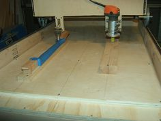 Copy Carver by 73Custom -- Homemade copy carver constructed from lumber,  plywood, shafting, bearings, pulleys, hinges, and steel rails. http://www.homemadetools.net/homemade-copy-carver-3