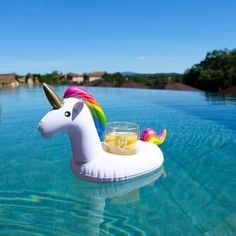 Pool Fun In Magical Style Party Floaty Mini Inflatable Unicorn Cup Floating Drink Holder & Garden Unicorn Cups, Unicorn Party, Rainbow Unicorn, Toy Unicorn, White Unicorn, Pool Party Ideias, Floating Cup Holder, Unicorn Inflatable, Pool Drinks