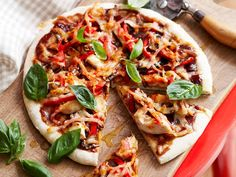 Give your leftover barbecued chicken a smoky twist on this flavoursome pizza topped with capsicum, mushroom, bacon, barbecue sauce and a touch…