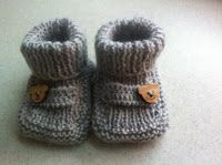Knitting For Kids Haken 62 Ideas Knit Baby Shoes, Baby Boots, Knitting For Kids, Baby Knitting, Brei Baby, Knitting Patterns, Crochet Patterns, Baby Pop, Knitted Booties