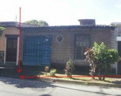 En venta amplia casa para uso comercial en el centro de Santa Tecla por El Paseo El Carmen. Precio de venta $190,000.00 Negociables
