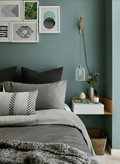 Bedroom suites purple and black bedroom ideas purple and gold bedroom . Dekoration Schlafzimmer Dekoration Schlafzimmer Bedroom suites purple and black bedroom ideas purple and gold bedroom lavender and gray bedroom # bedr Green Bedroom Design, Bedroom Green, Bedroom Colors, Bedroom Designs, Bedroom Wall Colour Ideas, Bedroom Black, Bedroom Wall Ideas For Adults, Bedroom Colour Schemes Green, Green Interior Design
