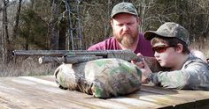 Responsible hunting, game management and wildlife conservation are important aspects of any wild game hunting, but many find the challenge of deer hunting to be the most challenging. Here are some ideas and deer hunting tips to make y Quail Hunting, Deer Hunting Tips, Bear Hunting, Hunting Rifles, Turkey Hunting, Archery Hunting, Best Camouflage, Hunting Supplies, Turkey Calling