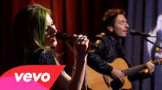 Avril Lavigne - Smile (AOL Sessions) (+playlist)