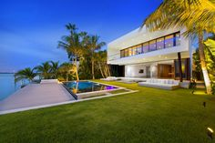 Sublime Miami Beach Residence by Luis Bosch Architects