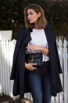 Dark Blue Jeans Outfit, Blue Jean Outfits, Dark Jeans, Mode Outfits, Chic Outfits, Fashion Outfits, Fashion Tips, Style Fashion, Trench Coat Outfit