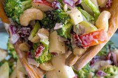 Recette: Salade de brocoli, noix de cajou,  poires et aux pommes.