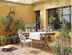 colores de pintura que combine con ladrillos vistos+exterior - Buscar con Google Outdoor Furniture, Decor, French Courtyard, Outdoor Decor, Vintage House, Outdoor Rooms, Home Decor, Home Deco, Outdoor Furniture Sets