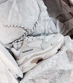 pretty nice af93b 8e5eb r y o s t o x Tendencias Ropa, Zapatillas Nike, Zapatillas Balenciaga,  Zapatillas Mujer, Zapatos De Tacones