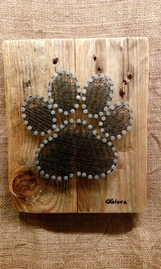 The best of DIY String Art Crafts Kids - Crafts Kit comes with the highest quality embroidery floss, HAND sanded and HAND stained wood board, metallic wire nails, pattern template, and easy instructions String Art Diy, String Crafts, Dog Crafts, Diy And Crafts, Arts And Crafts, Arte Linear, String Art Patterns, Doily Patterns, Dress Patterns