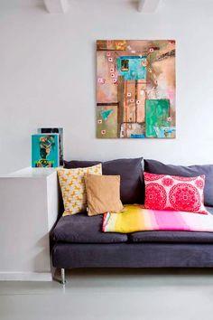 Keltainen talo rannalla: Rustiikkia, väriä ja huonekaluja