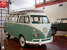 Part of me wants this little piece of awesomeness and tour around with Mark in our Twilight years! Volkswagen Jetta, Volkswagen Transporter, Vw T1, Vw Caravan, Vw Camper, Campers, Classic Trucks, Classic Cars, Vans Vw
